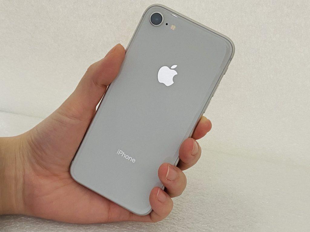 iPhone8(シルバー)